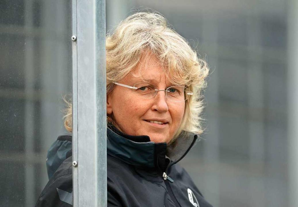 Seit 30 Jahren  Managerin der SC-Freiburg-Frauen: Birgit Bauer    Foto: Patrick Seeger