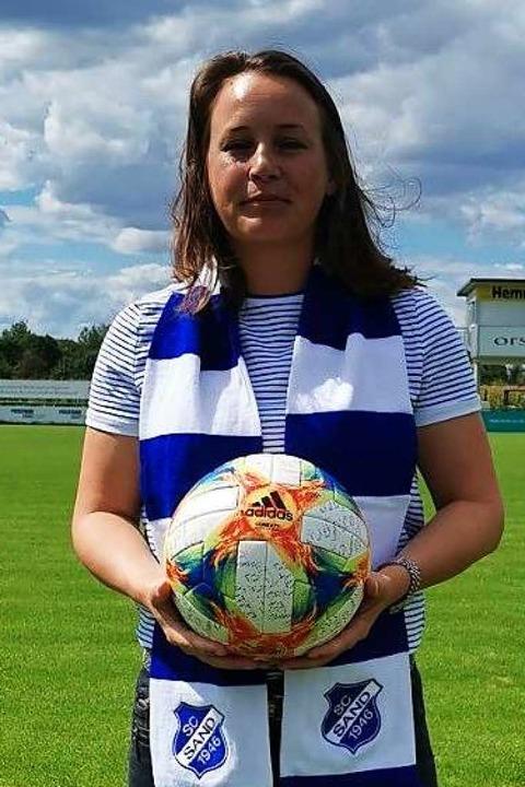 Die einzige Trainerin in der Fußball-B...a der Frauen: Nora Häuptle vom SC Sand    Foto: Verein