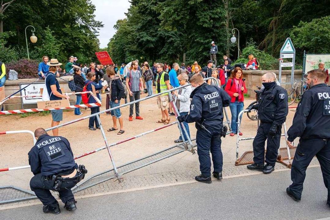 Corona-Demonstration in Berlin (Symbolbild)    Foto: Christophe Gateau (dpa)