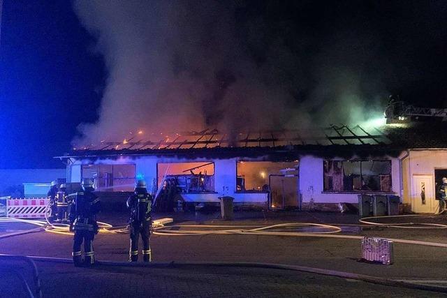 Möbellager neben Moschee in Achern abgebrannt