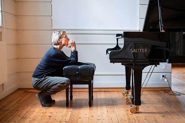 Aus dem Spiel: Wie der Musikerkrampf einer Pianistin ihr Instrument nahm