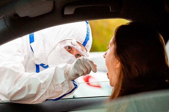 Hunderte Testwillige werden an der Corona-Teststelle in Neuenburg abgewiesen