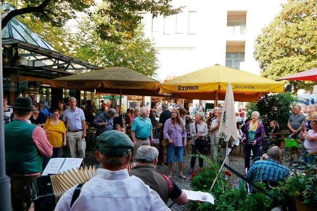 Chöre warnen mit Flashmob in der Offenburger Innenstadt