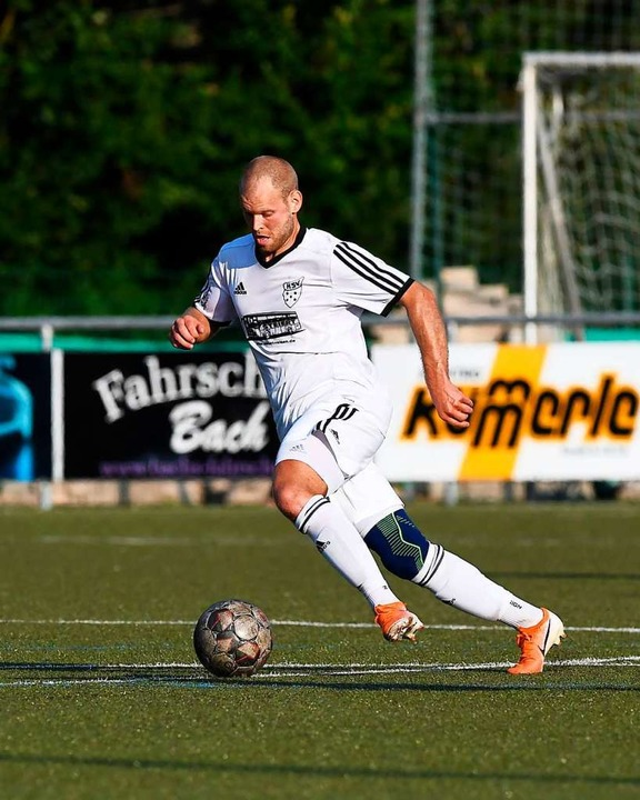 Ex-Trainer mit Vorwärtsdrang: Kay Ruf ...en Teamkollegen einen 2:0-Heimerfolg.   | Foto: Wolfgang Scheu