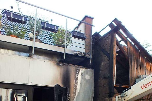 Feuerwehr löscht Schuppenbrand in Kappel