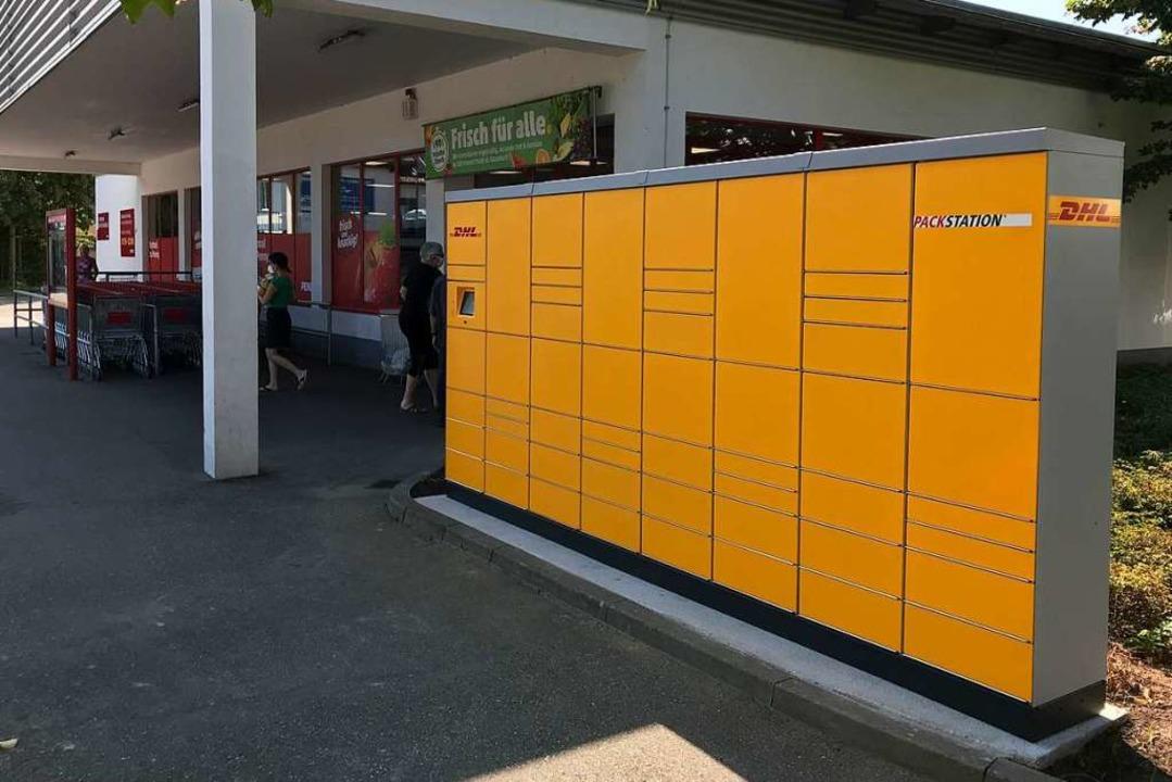 Beim Penny Markt können nun rund um di...Pakete empfangen und versendet werden.  | Foto: Hans-Peter Müller