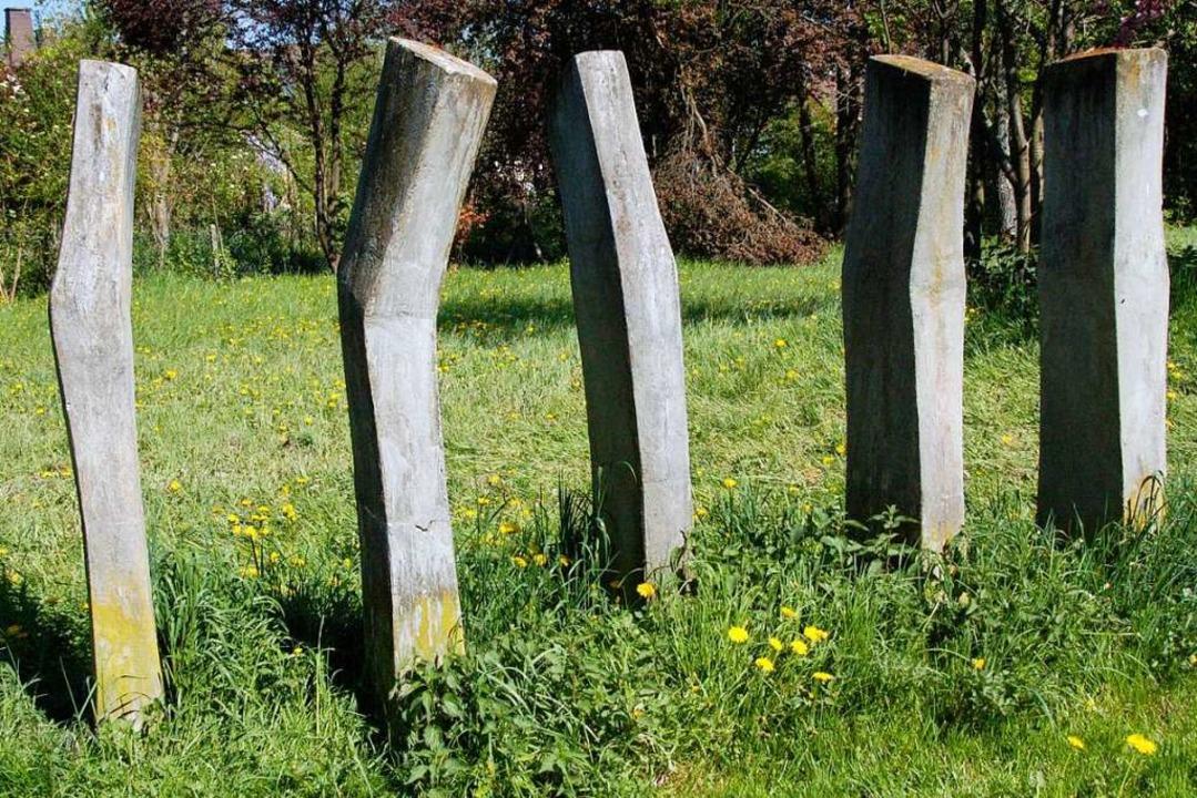 Natur und Kunst: Beim Skulpturenweg tr...ide. Fünf Figuren von Constanze Claus.  | Foto: Sylvia-Karina Jahn