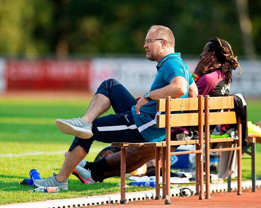 Ruhebänkler? FCN-Trainer Zeljko Cosic ... den Matchwinner mit dem großen K ein.  | Foto: Wolfgang Scheu