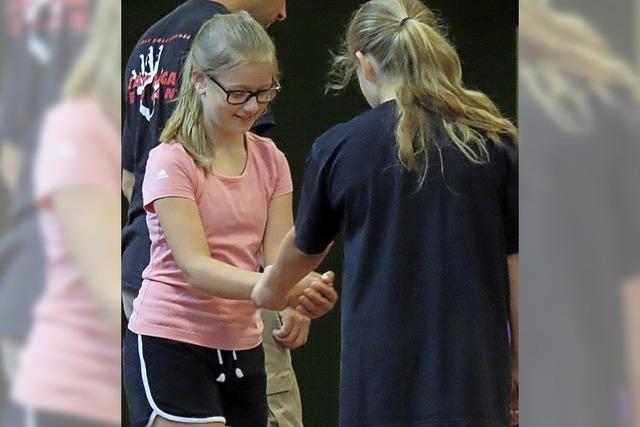 Kinder lernen Tricks zur Verteidigung