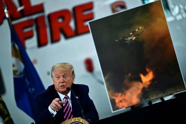 Trump leugnet im brennenden Kalifornien den Klimawandel