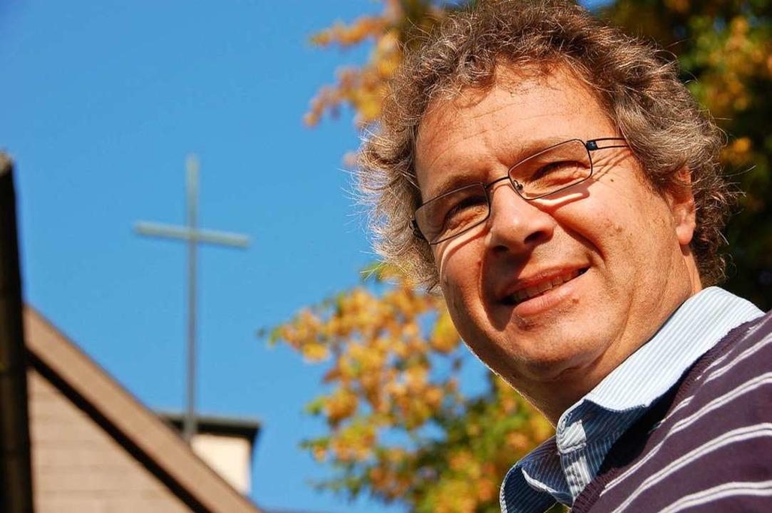 """""""Pfarrer Martin Rathgeber blickt...in Murg, Rickenbach und Herrischried.     Foto: Sarah Nagel"""
