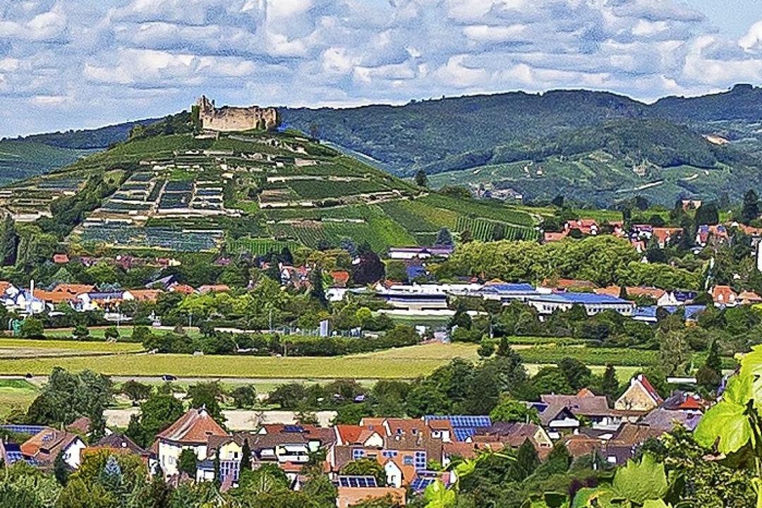 Mächtig thront die Zähringer Schlossru...stehen noch  angemessen feiern möchte.  | Foto: Peter Stahl, Staufen