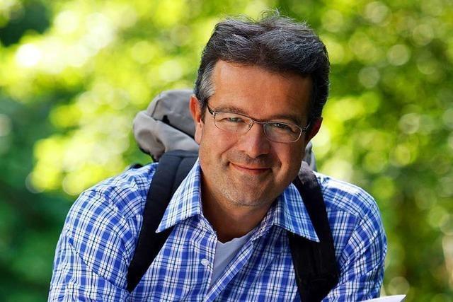 Manuel Andrack wandert am Kaiserstuhl und liest in Lahr