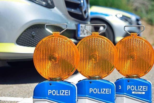 Zwei Leichtverletzte bei Autounfall in Lörrach