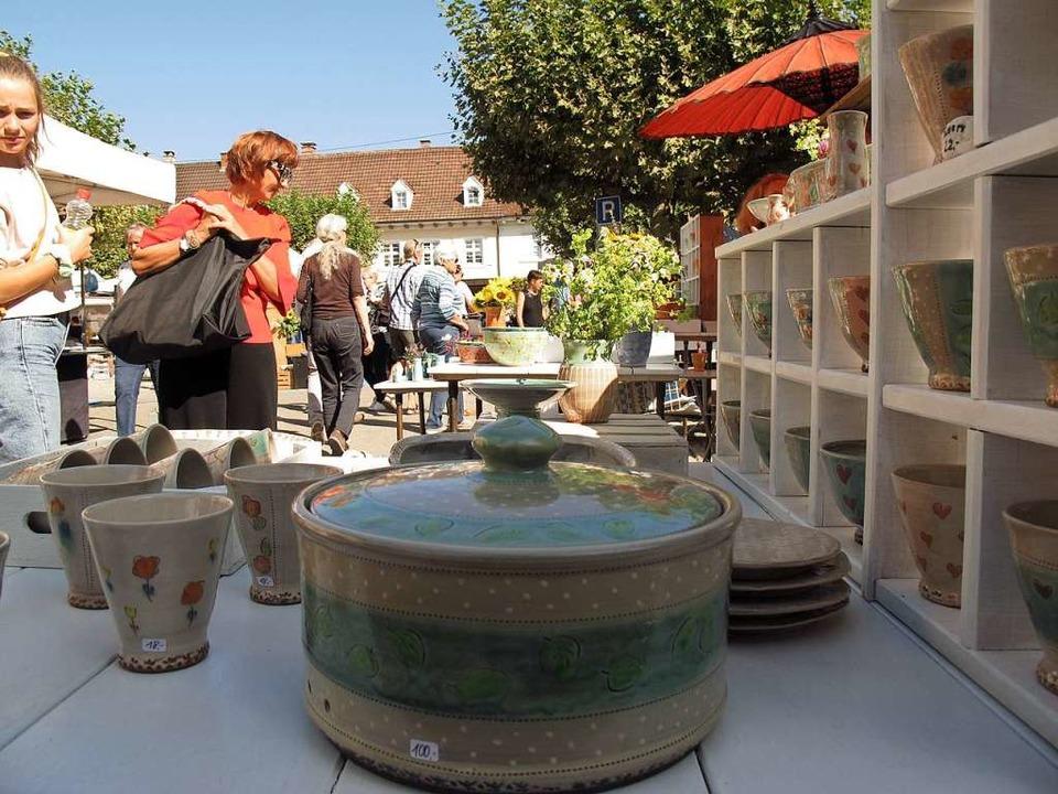 Der Keramikmarkt wird im September  wi...er Ständen und in gebührendem Abstand.  | Foto: Jutta Schütz