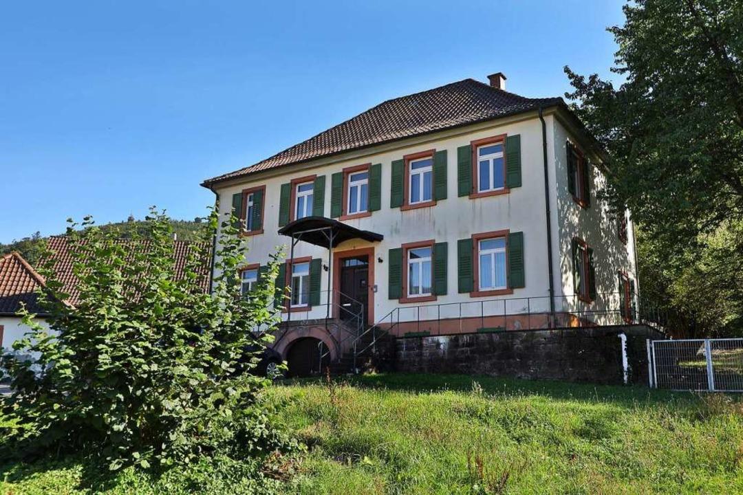 Nun wird das alte Pfarrhaus in Oberweier Praxis-Standort.  | Foto: Christoph Breithaupt