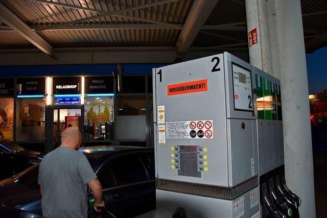 Ortschaftsräte wollen keinen Imbiss mit Straßenverkauf im Tankstellenareal