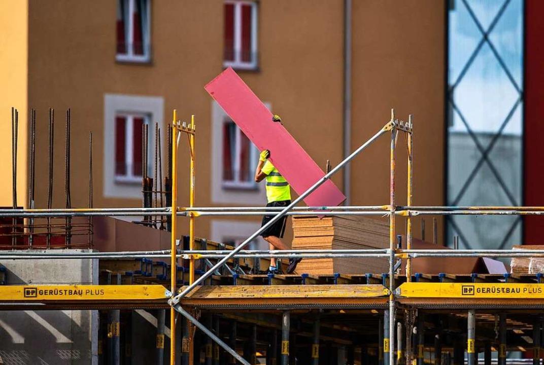 Wie geht es mit der Wirtschaftsentwicklung weiter?    Foto: Christophe Gateau (dpa)