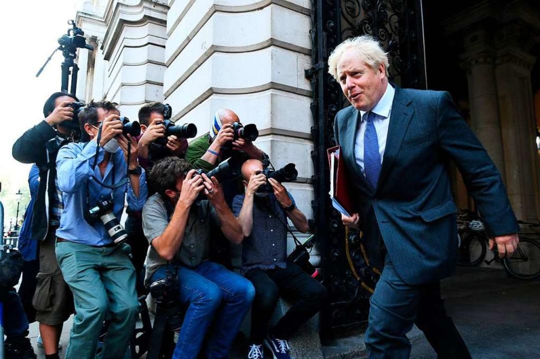 Boris Johnson, Premierminister von Gro...Kabinettssitzung das Außenministerium.  | Foto: Stefan Rousseau (dpa)