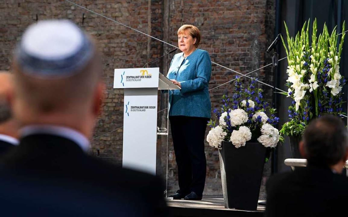 Bundeskanzlerin Angela Merkel (CDU) be...offenen und verdeckten Antisemitismus.  | Foto: Bernd von Jutrczenka (dpa)