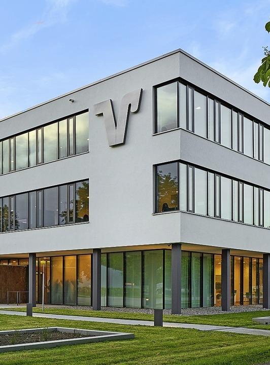 Die Volksbank-Zentrale im Gewerbepark Breisgau  | Foto: Volksbank Breisgau-Markgräflerland