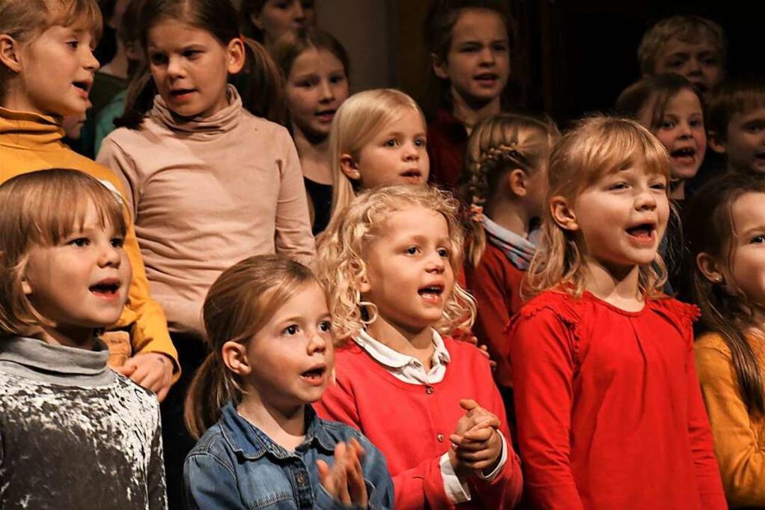 Wenn die Halle in Brombach nutzbar ist...uch der Kinder- und Jugendchor singen.  | Foto: Barbara Ruda
