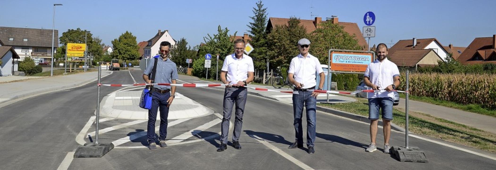 Freigabe der L 104 und Eröffnung des B... Liebold und Bauleiter Axel Lochmann.   | Foto: Roland Vitt