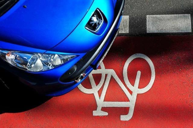 Radfahrer stirbt nach Zusammenstoß mit Auto in Freiburg