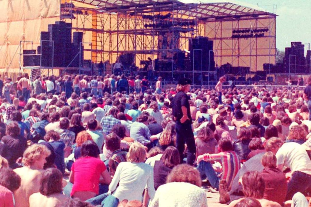 Das Sunrise-Festival auf dem Offenburger Messeglände 1976.  | Foto: Museum im Ritterhaus