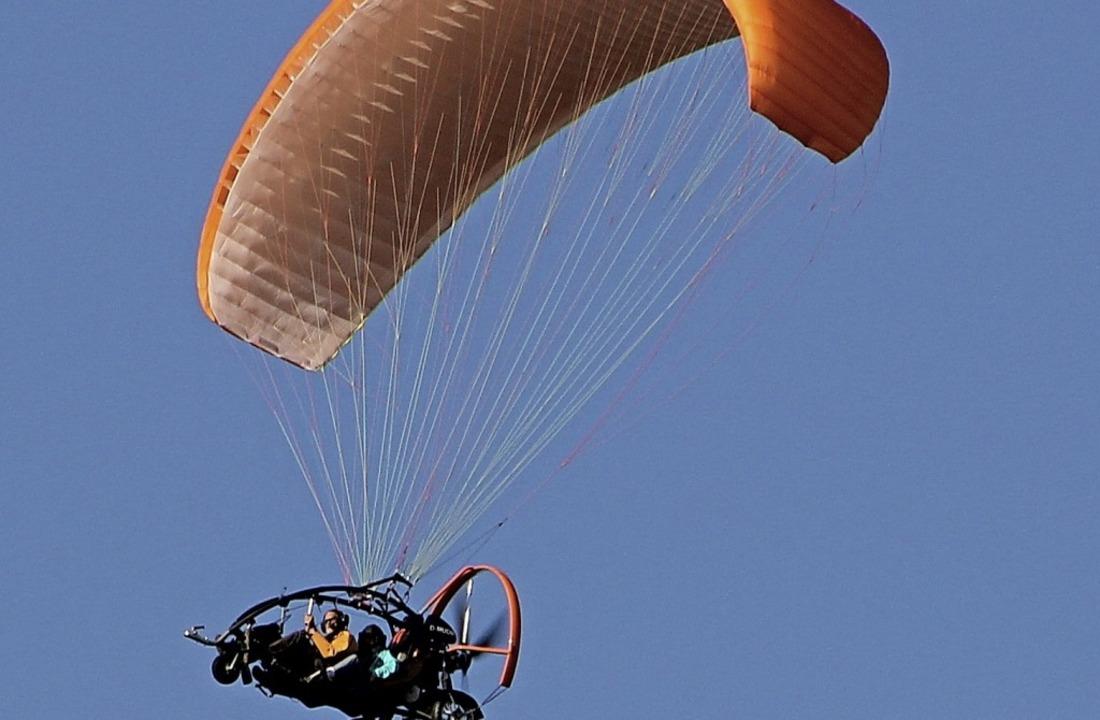 Ein Motorgleitschirm (Symbolbild) soll...olpadingen starten und landen dürfen.     Foto: Sabine Model