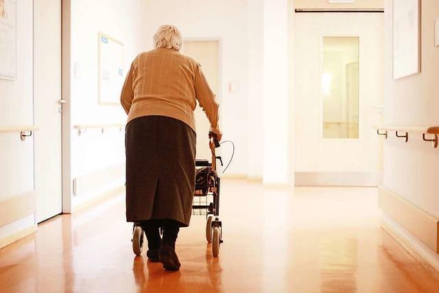 Wie Bewohnerinnen von Altenheimen die Pandemie erleben