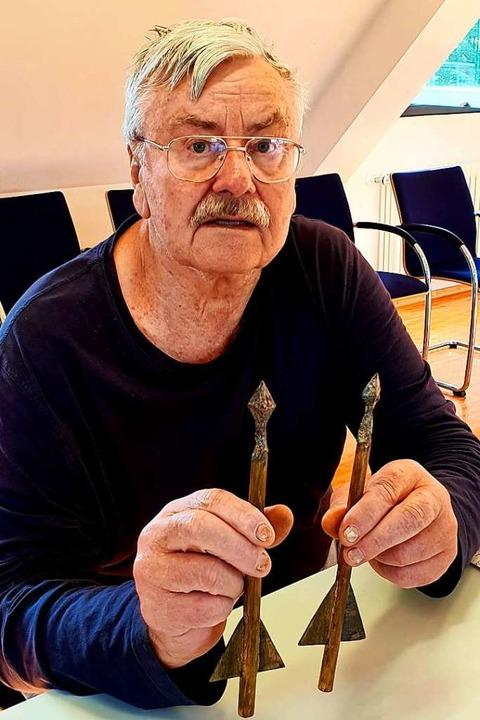 Teile dieser Armbrustbolzen hat Hans-Peter Widera selbst rekonstruiert.    Foto: Julius Wilhelm Steckmeister