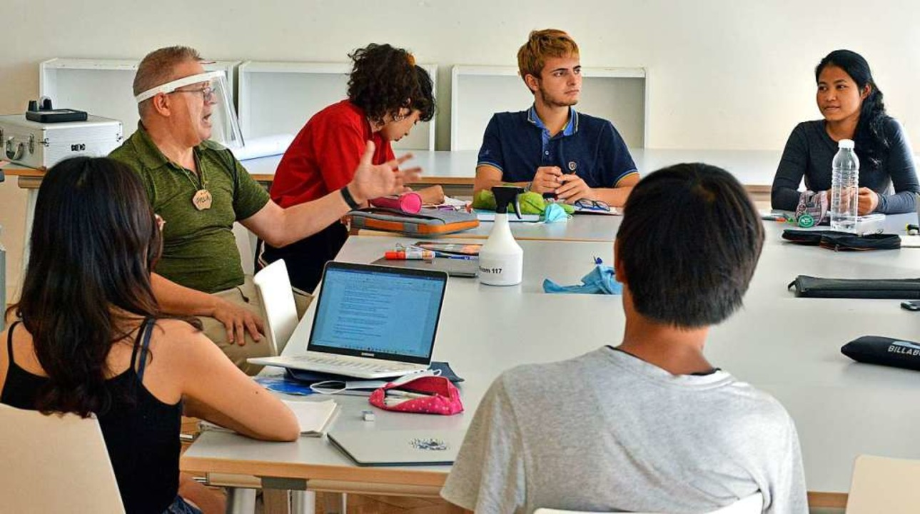 Die Schüler des Robert Bosch College k... und das ist derzeit nicht so einfach.  | Foto: Michael Bamberger