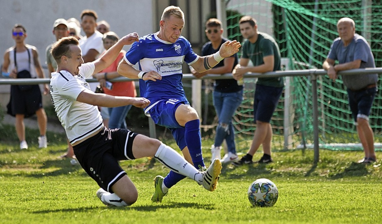 <BZ-FotoAnlauf>Landesliga:</BZ-FotoAnl...n einer Sperre zum Zuschauen verdammt.  | Foto: Alexandra Buss