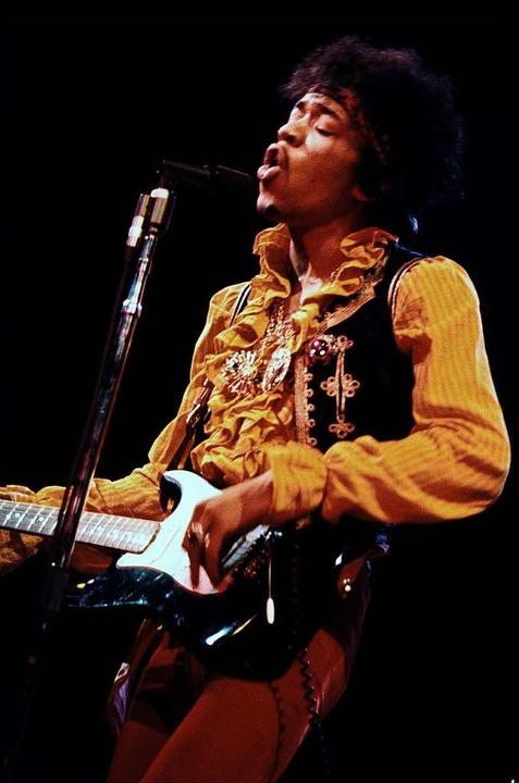 Jimi Hendrix 1967 beim Festival in Mon...ndete, machte ihn in den USA zum Star.  | Foto: Colin Beard/Authentic Hendrix LLC