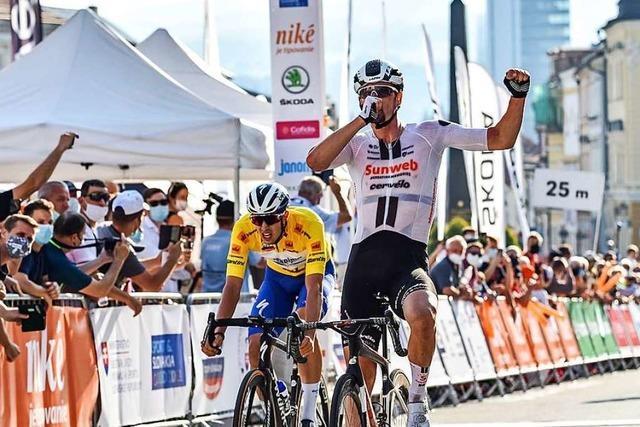 Albbrucker Radrennfahrer Nico Denz sprintet zu seinem zweiten Profisieg