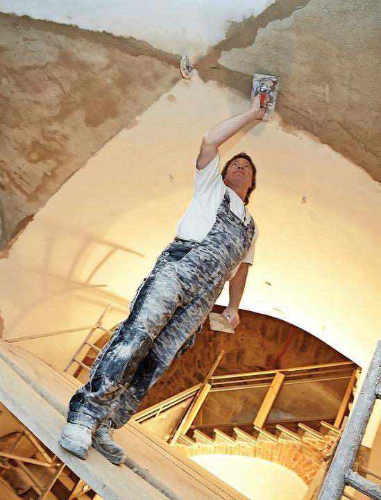 Auch historische Gewölbe können Arbeitsplatz für Stuckateure sein.  | Foto: Thomas Frey
