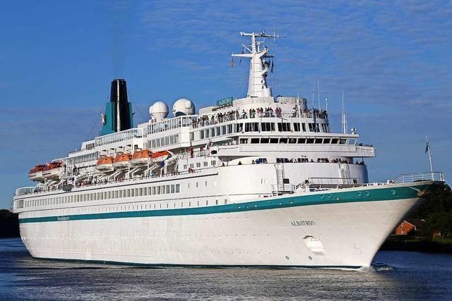 Reiseveranstalter will Flüchtlingen von Moria mit Kreuzfahrtschiff helfen