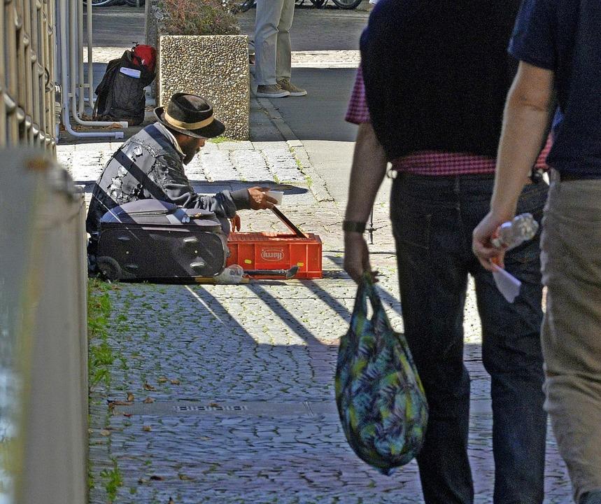 Die organisierte Bettlergruppe in der ...Oberbürgermeister Martin Horn gewandt.    Foto: Michael Bamberger