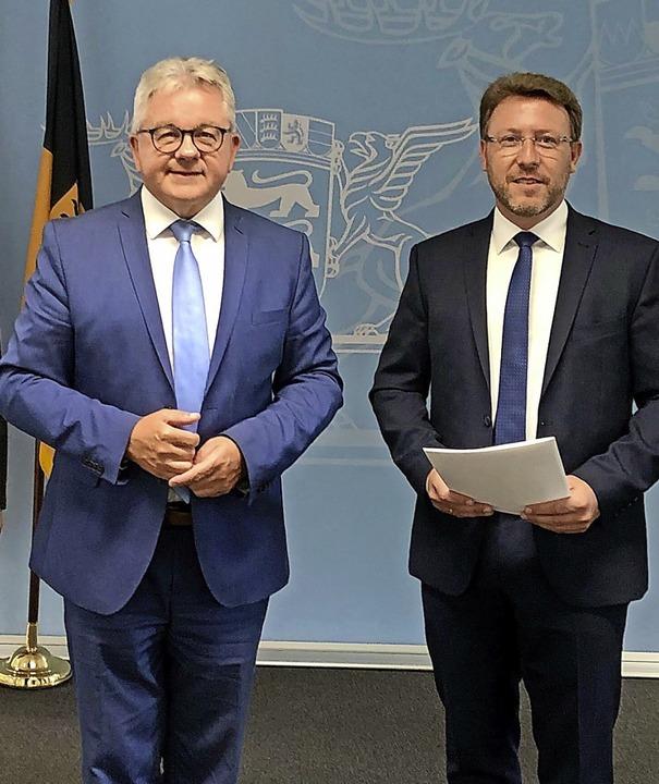 Tomas Orschitt (rechts, mit Justizmini...Leiter der Staatsanwaltschaft Lörrach.    Foto: Jusitzministerium