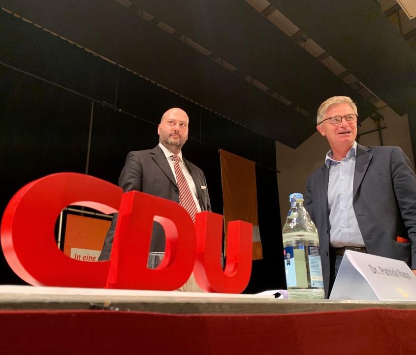 Arndt Michael bei der Kandidatenkür mi...ordneten Matern von Marschall (rechts)  | Foto: Simone Höhl