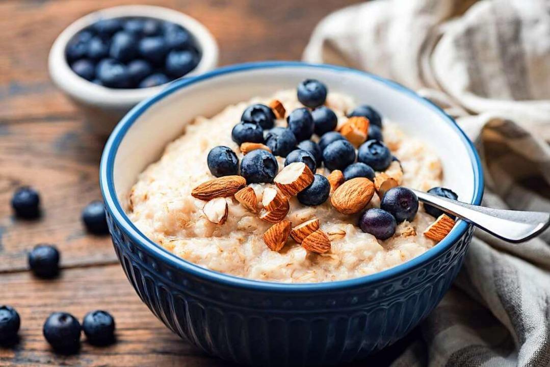 Porridge ist gesund und lässt sich schön in Szene setzen.  | Foto: Vladislav Nosik  (stock.adobe.com)
