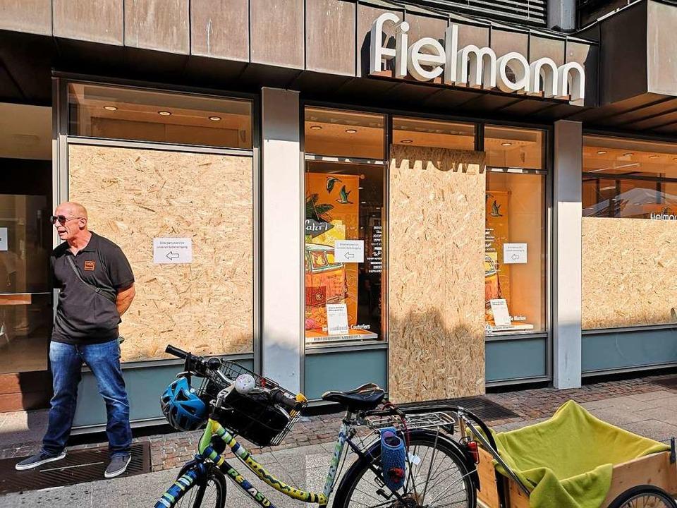 Das Brillengeschäft in der Steinstraße am Tag danach.  | Foto: Ralf burgmaier