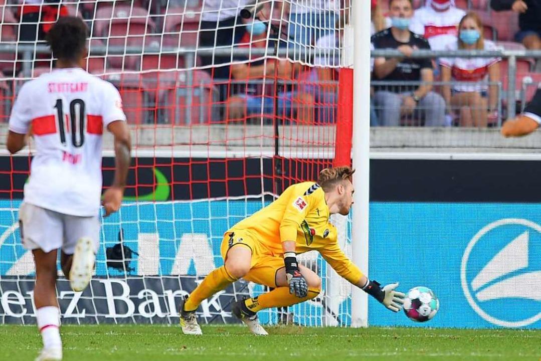 Florian Müller feierte sein Debüt für den SC Freiburg und zeigte gute Paraden.    Foto: Achim Keller/SC Freiburg