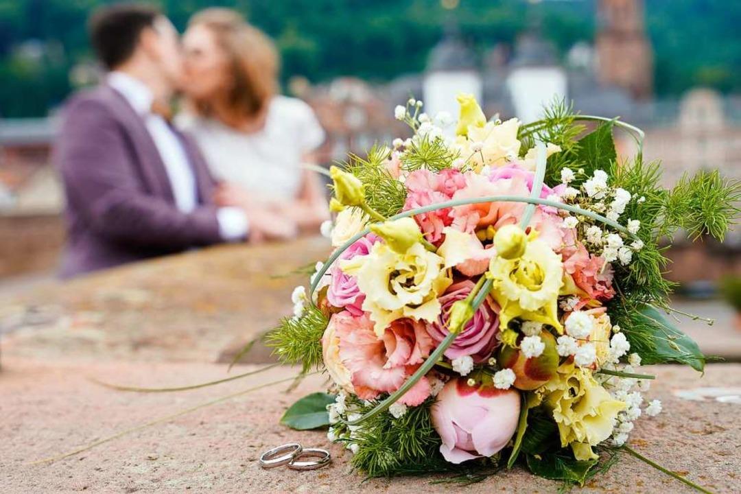 Das Hochzeitspaar hat sich den Tag bes... ganz anders vorgestellt (Symbolbild).  | Foto: Uwe Anspach (dpa)