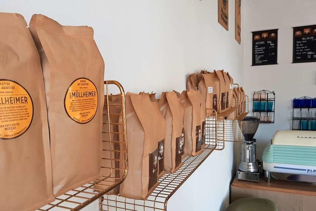 Auch Kaffeebohnen gibt's zu kaufen.  | Foto: Sophia Hesser