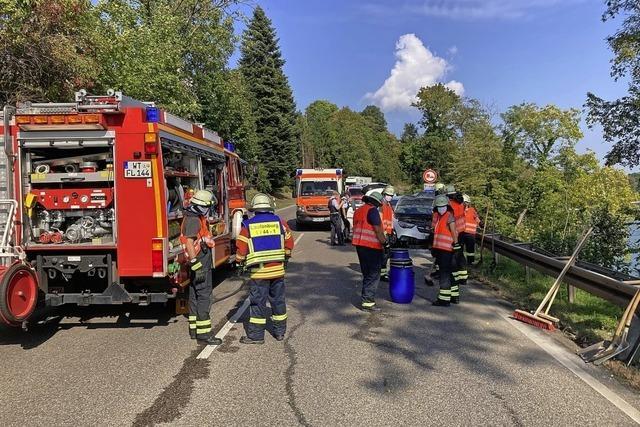 B 34 nach Unfall gesperrt