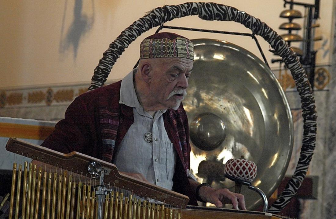 Ein meditatives Klang-Konzert zu seine...d Kroell in der Kirche in Niederwihl.     Foto: Karin Stöckl-Steinebrunner