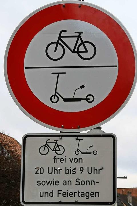 Offenburg ist schildermäßig gerüstet – auch wenn Leihroller noch fehlen.    Foto: Ralf Burgmaier