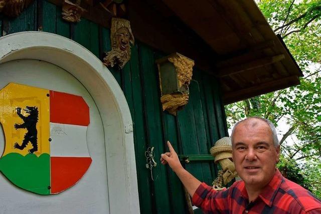 Dieser Mann lebt in Wyhlen friedlich mit Hornissen zusammen